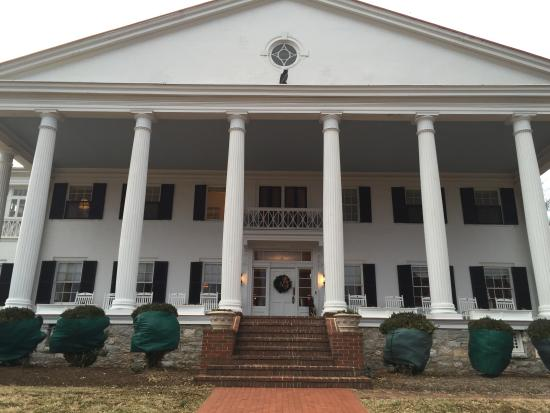 Rosemont Manor: Backside of Rosemont