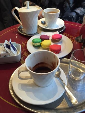 Caffe Rainer Borgo la Croce: Cioccolata, the e macarons