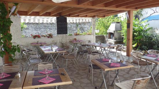 Beauchastel, فرنسا: terrasse le patio