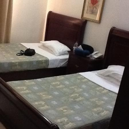 Al Mourouj Inn Hotel: Twin bed