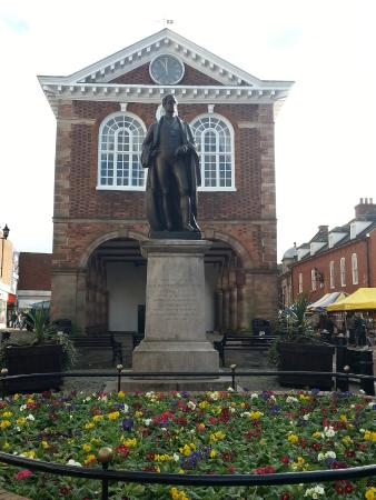 Sir Robert Peel Statue