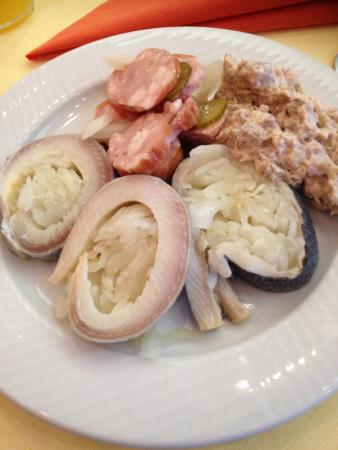 Holiday Inn Brno: Delicious breakfast, pickled eel was great, and the sausage with pickled bits and bobs could hap