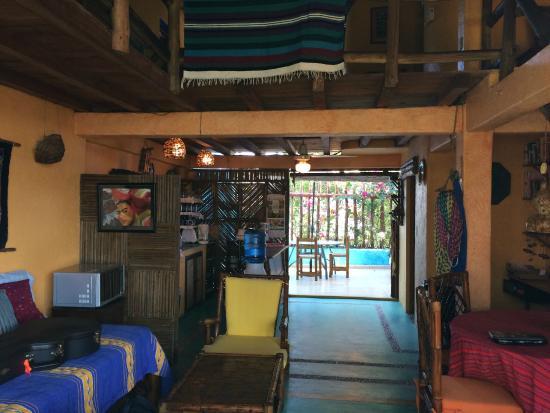 Casa Azul - La Madera : living room to kitchen