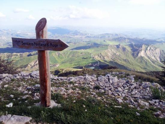 Monte Cammarata : Sentiero Fontana di Rose
