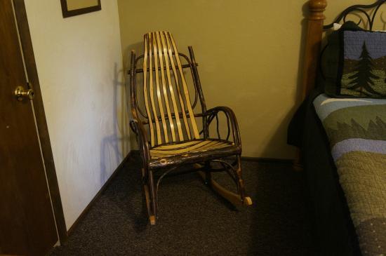 Alpine Motel: Rocking chair in room.