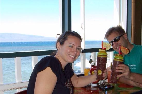 Captain Jack's Island Grill: Enjoying burgers and Mai Tais at Captain Jacks
