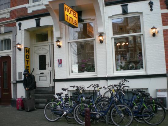 Hotel Titus: dışarıdan görünüm