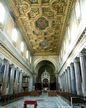 Basilica di San Crisogono: interno