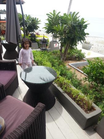 Samaya Bura: Restaurant by the beach