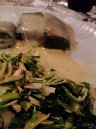 L'Arancia Blu : Green polenta with mushroom and rucola salad.