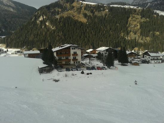 Villa Insam: Arrivo al garni direttamente con gli sci.