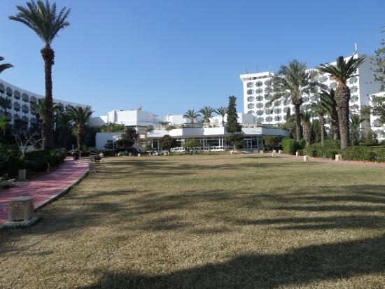 JAZ Tour Khalef Thalasso & Spa : Widok od basenu