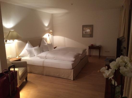 Hotel Restaurant Zur Krone : Mein großes (Doppel)Zimmer