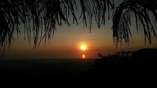Osa Mountain Rainforest Villas & Adventures: View from the Sunset Bar at Osa Mountain Village