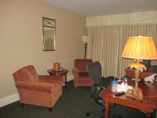 The Genesee Grande Hotel: Living Room