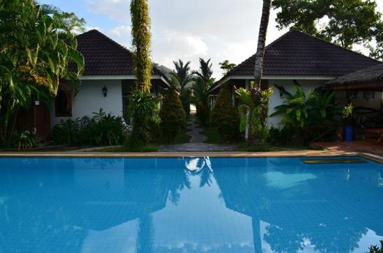 Loma Resort : Piscine & bungalows