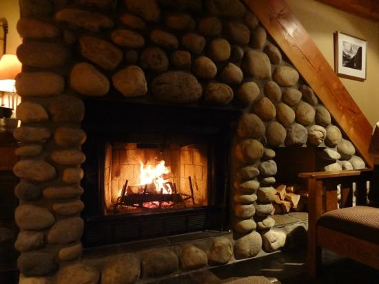 Buffalo Mountain Lodge: Fireplace