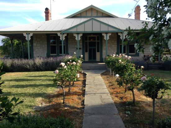 Stranraer Homestead: Front entrance