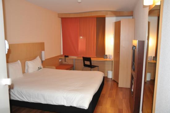 Ibis Lisboa Sintra : Room.