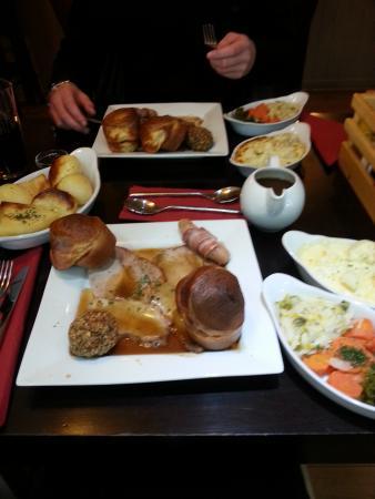 Teign Cellars: Roast dinners ☺