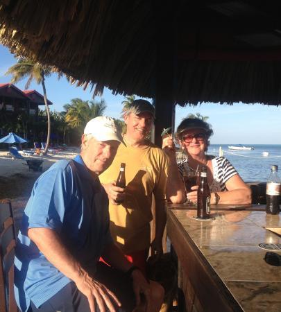 Temple Run Tavern: Bikes vs the beach bar - we chose the beach bar