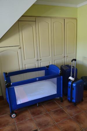 Del Volcán Apart Hotel : Cuna para el bebé