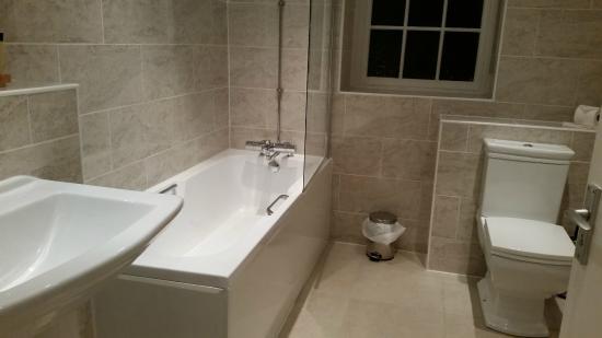 Solberge Hall Hotel: Bathroom