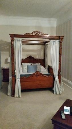 Solberge Hall Hotel: The four-poster