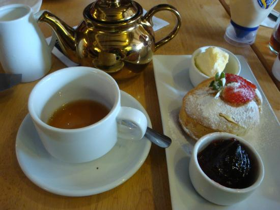 Henley Street Tea Rooms: english tea