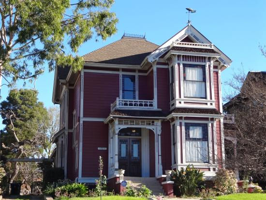 Angelino Heights Historic Area: Home 2