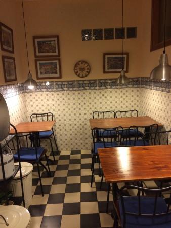 Malaga Lodge: Kitchen
