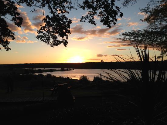 Kohutapu Lodge & Tribal Tours: Beautiful Sunsets