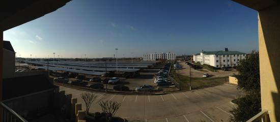 Comfort Suites DFW Airport : View from room ��