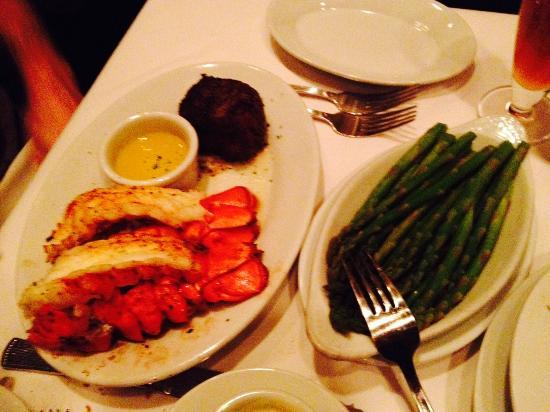 Ruth's Chris Steak House : Surf & Turf w/ Asparagus