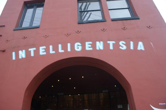Intelligentsia Coffee & Tea : Outside