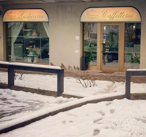 Busnago, Italy: Cremissa Pasticceria Caffetteria
