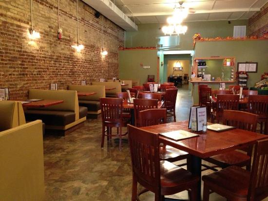 Ethan's Cafe: Front Dining Room