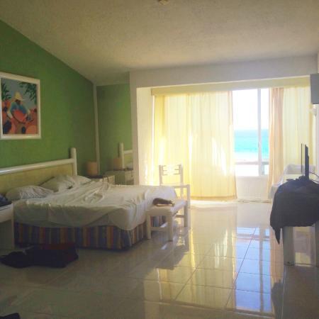 Solymar Cancun Beach Resort: Room overlooking ocean