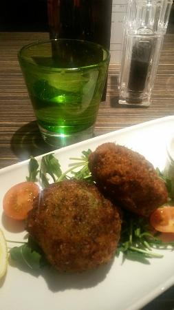 Holiday Inn Oxford: starter - bubble and squeak fishcakes