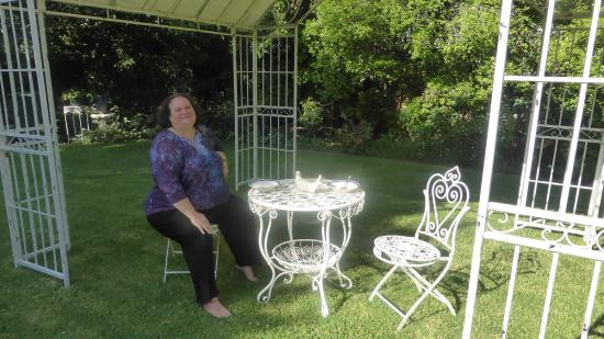 BallyVista and Dalfruin Bed & Breakfast: Breakfast in the Garden