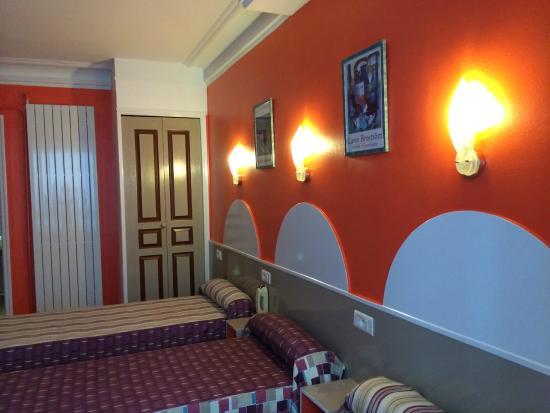 Hotel Printania Temple : Chambre