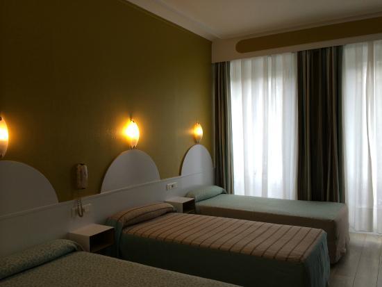 Hotel Printania Temple: Chambre