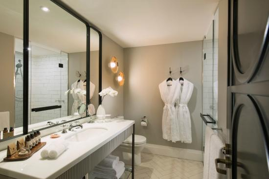 Mayfair hotel 206 2 6 1 2018 prices reviews for Bathroom designs adelaide