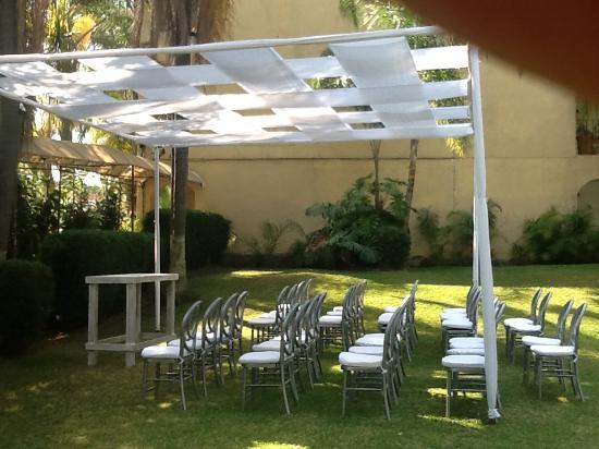Marjaba: jardines rodeados de palmeras