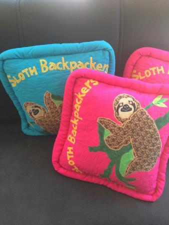 Hotel Sloth Backpackers Bed & Breakfast: Sloth Pillows by the front desk