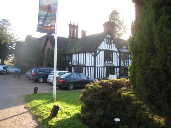 Nailcote Hall Hotel and Golf Club: Beautiful building in well maintained grounds