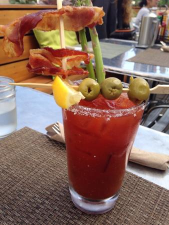 Berlin : Grate Bloody Mary at brunch, look at the bacon ����