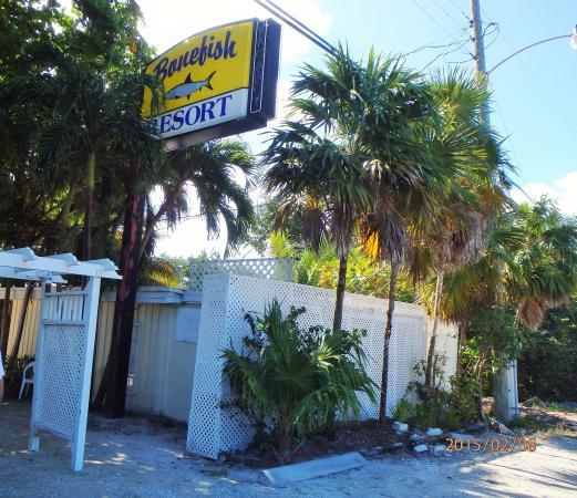 Bonefish Resort: Entrance way sign