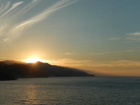 Le Kliff: Sunset