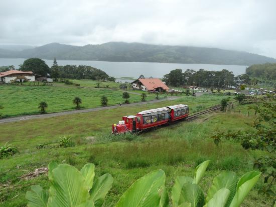 Hotel Los Heroes: De paseo en tren hacia el restaurant rodante